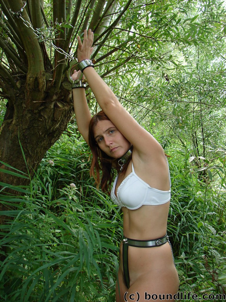 Belted Girls - Hot girls in chastity belts